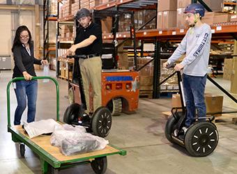 Warehouse employees on i2 SE PT